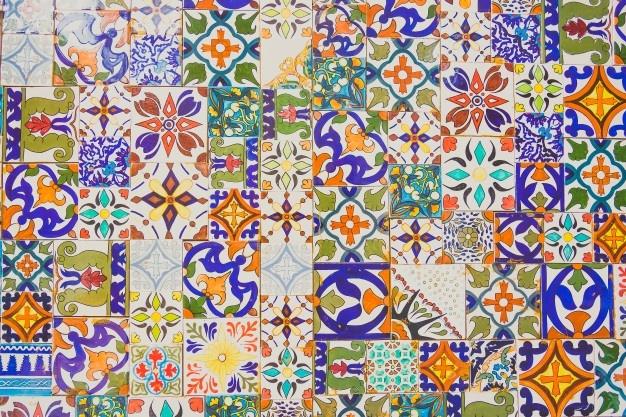 Kuhinjske ploščice z različnimi vzorci